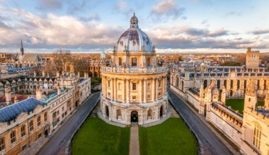 Oxford University Pershing Square Scholarship in UK