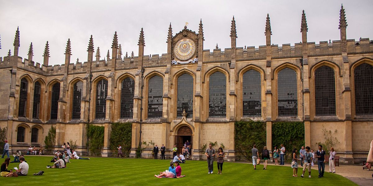 Hill Foundation Scholarships at University of Oxford